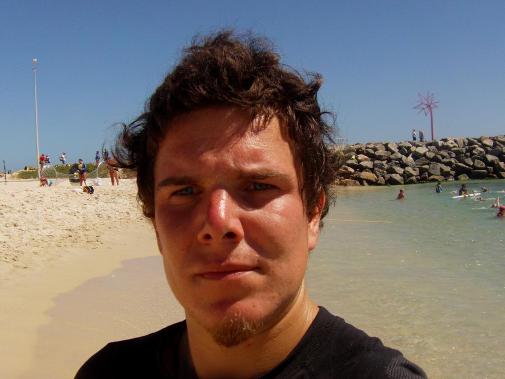 Adrien sur les plages en Australie