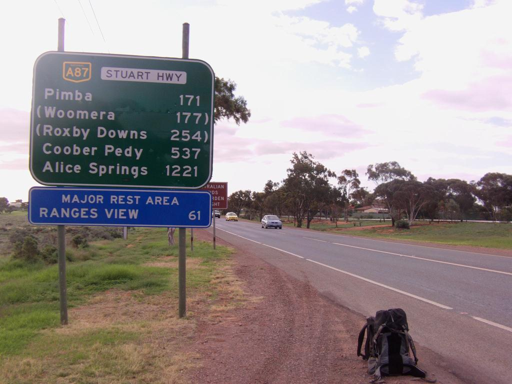 Alice Springs 25 000 habitants - 1 221 km -