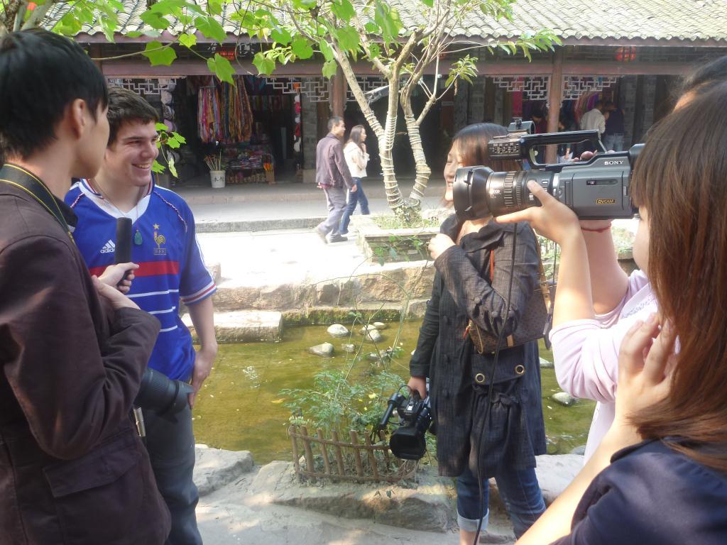Devant les caméras en Chine