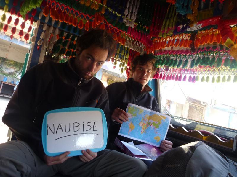 P1090470_népal_autostop_camion_tata
