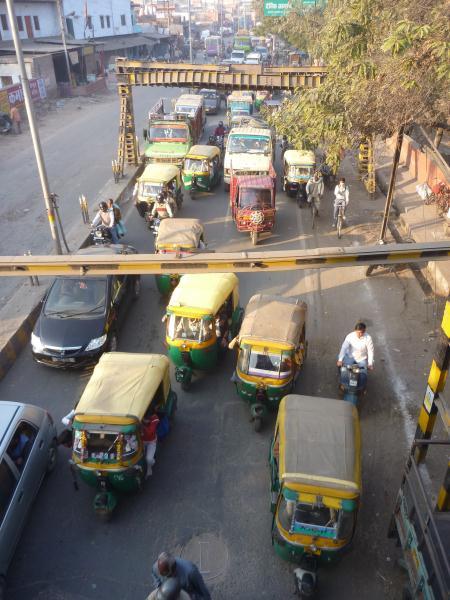 Des taxi-rickshaws par centaines dans les rues d'Agra !