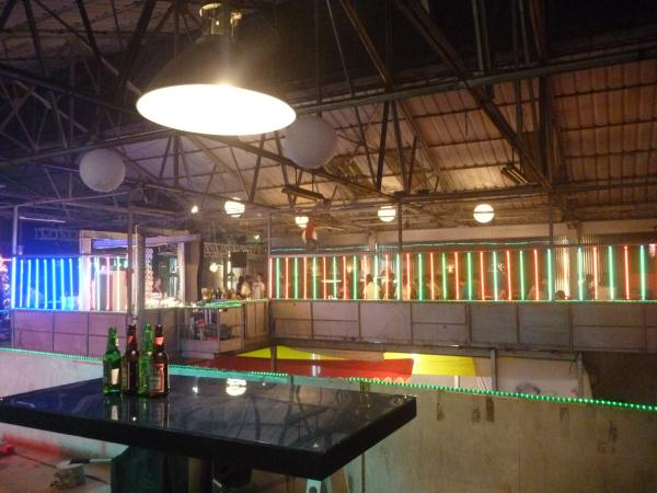 P1090869 - Bollywood studios