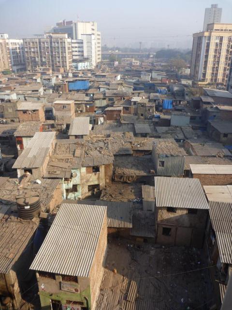 P1090939 - vue aerienne du bidonville de Bombay