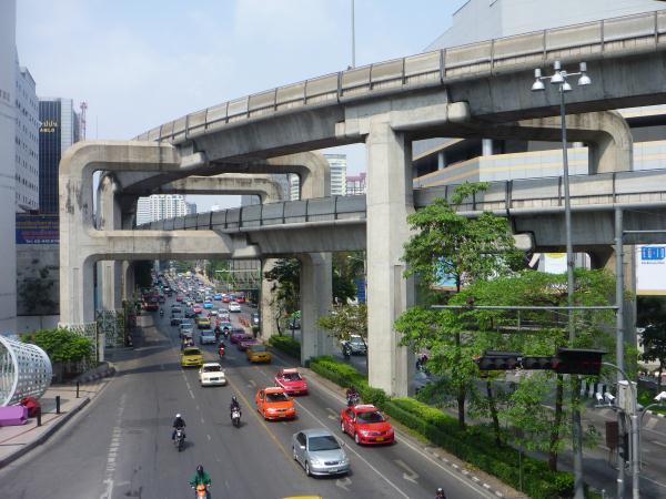 P1100216_Bangkok_skytrain