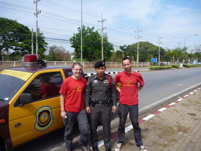 Autostop en Thaïlande avec la police