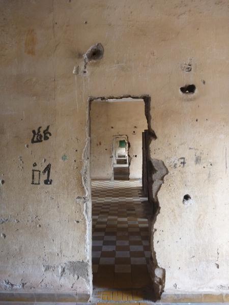P1100438 - Prison S21 - Tuol Sleng