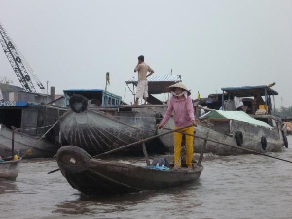 P1100616 marché flotant cantho vietnam