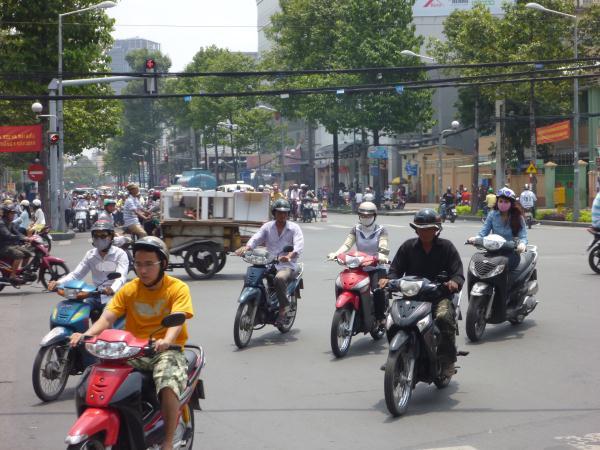 P1100667 vietnam 2 roues moto scooter