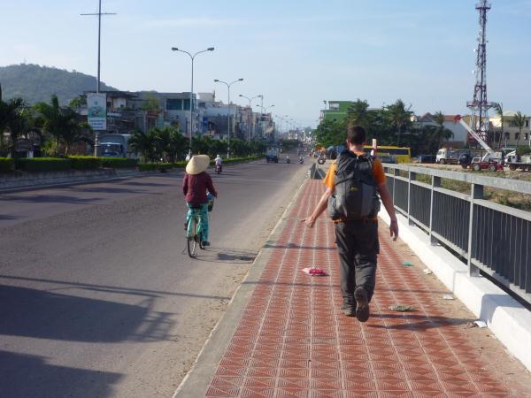 P1100721 Vietnam autostop