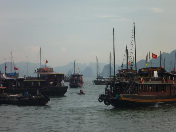 P1100746 Vietnam Baie d'Halong