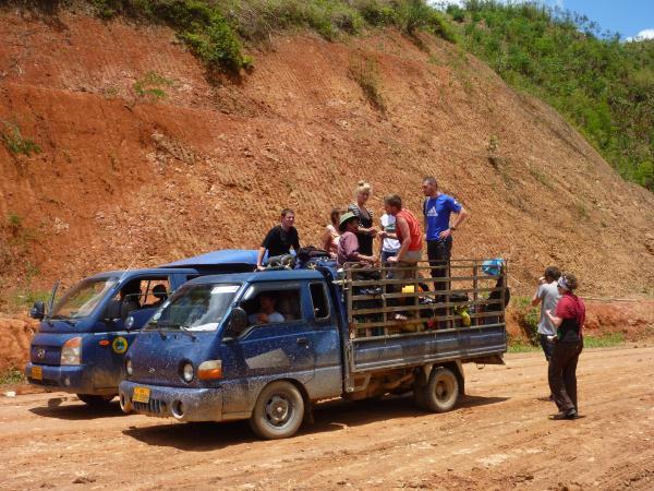 Sur les routes boueuses du Laos