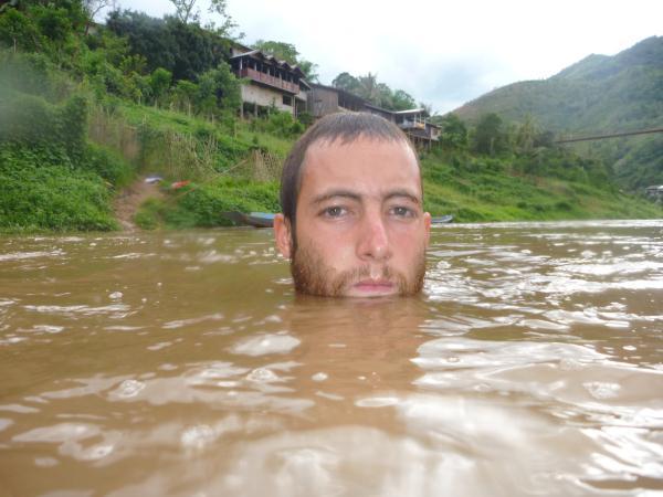 baignade dans la rivière Nam Ou