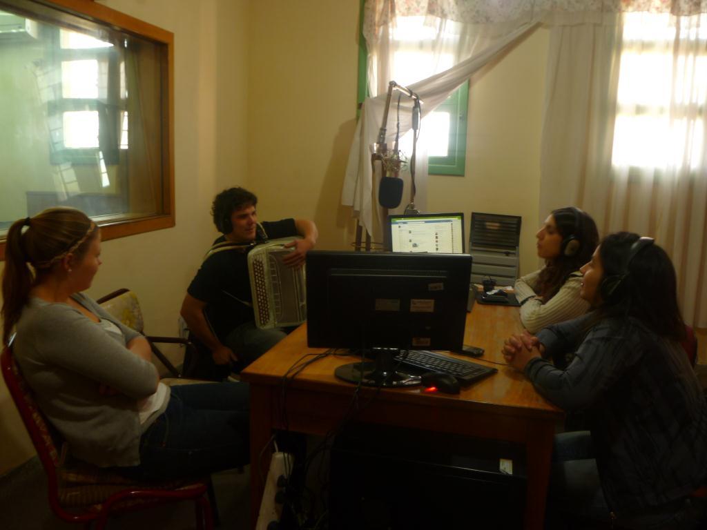 A la radio en Argentine