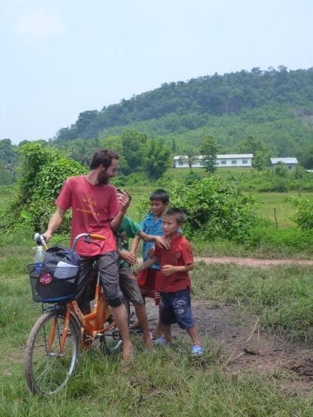 Julien et les petits laos
