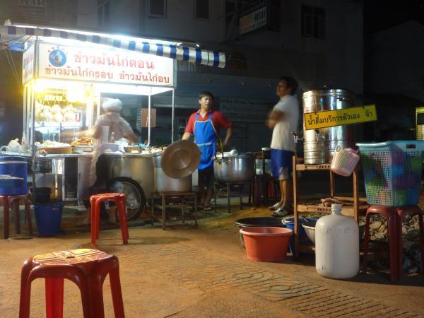 P1110130 stand de nourriture thailande street food