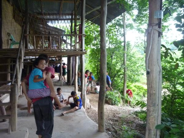 P1110160 orphelinat thailande jungle