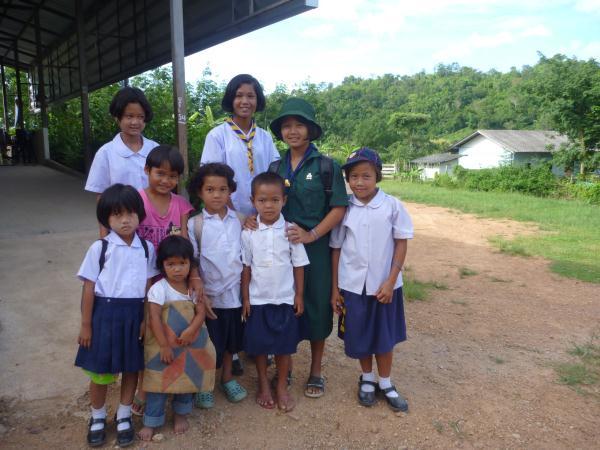 P1110186 thailande enfants costume traditionel
