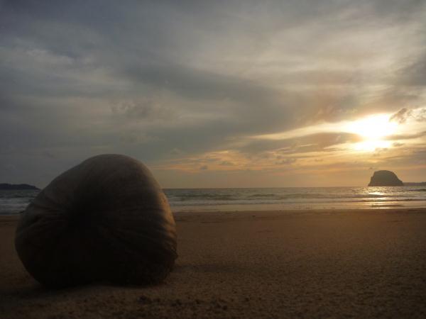 P1110337 thailande ko muk plage coucher de soleil mer