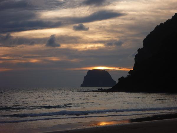 P1110339 thailande ko muk plage coucher de soleil mer