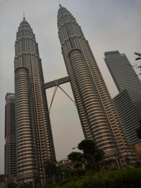 P1110485 petronas tower kuala lumpur malaisie