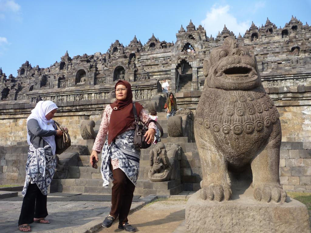 P1110815 - Borobudur temple indonesie