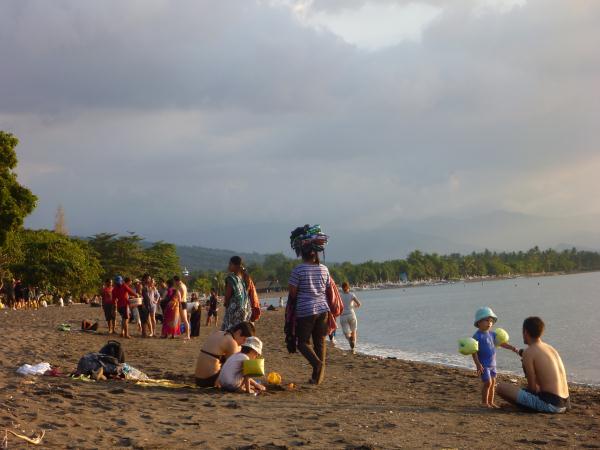 P1110920 lovina beach plage bali