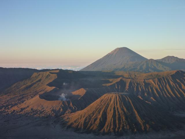 Bromo : le volcan fumant