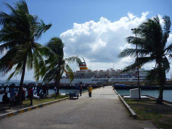P1120367 - Port de Bau-Bau - Indonésie