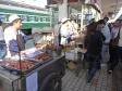 p1060797 - Petit stand de nourriture sur le quai de la gare