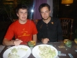 p1070548 - Soirée Dumplings au Lazy Bones Hostel : après les avoir fabriqués, on les mange !