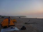 p1030407 - Un petit moment de répits sur la route de Moscou, sur les plages de Vama Veche en Roumanie. Le soleil se lève sur la Mer Noire et nous allons maintenant pouvoir aller dormir...