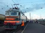 p1040036 - 6 Juillet 2010, le transsibérien nous attend à la gare de Moscou, pour 55h de train jusqu'à Tomsk en Sibérie.