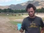 p1040707 - Un petit verre de lait de jument fermenté, ca vous tente ? ...Un bon voyageur se doit de respecter les traditions, même s'il sait qu'il va passer les 2 prochains jours sur la cuvette des toilettes !