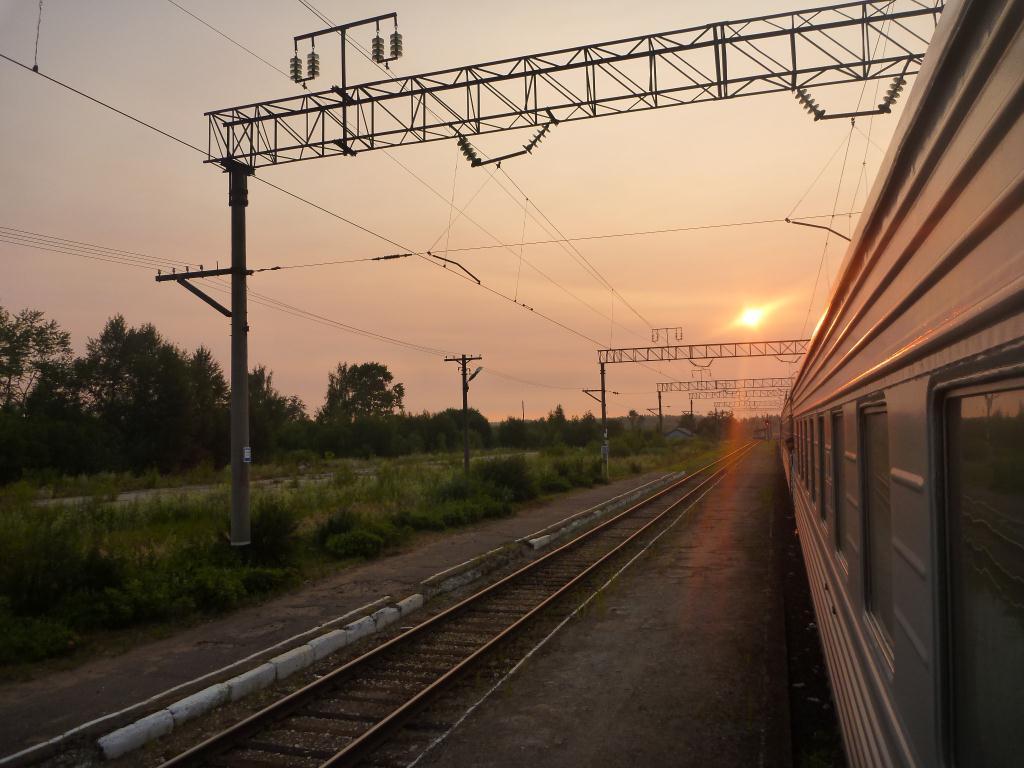 Lever de soleil depuis le train