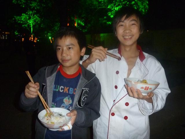 Un cuisinier et son bol de riz